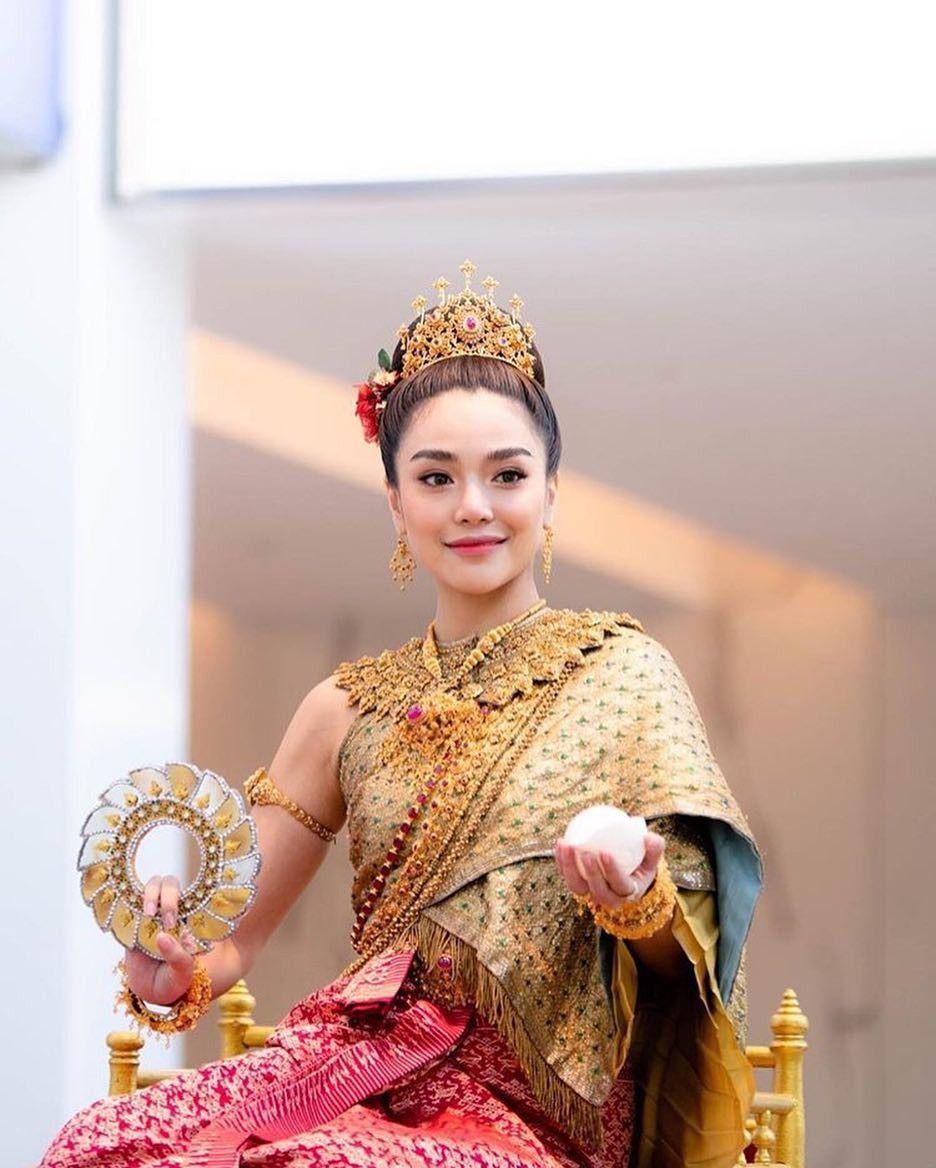 Ngắm nhăn sắc đỉnh cao của dàn mỹ nhân Tbiz khi hóa nữ thần tại Songkran 2019 (22)