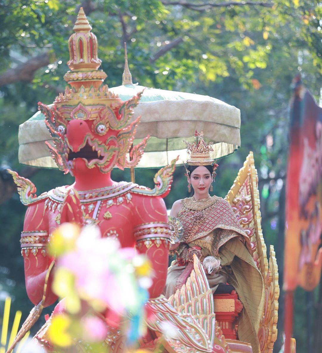 Ngắm nhăn sắc đỉnh cao của dàn mỹ nhân Tbiz khi hóa nữ thần tại Songkran 2019 (9)