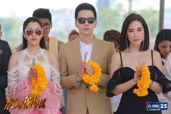 Nữ diễn viên Yard Yardthip tái hợp chị đẹp Ploy Chermarn trong Raeng Tian (17)