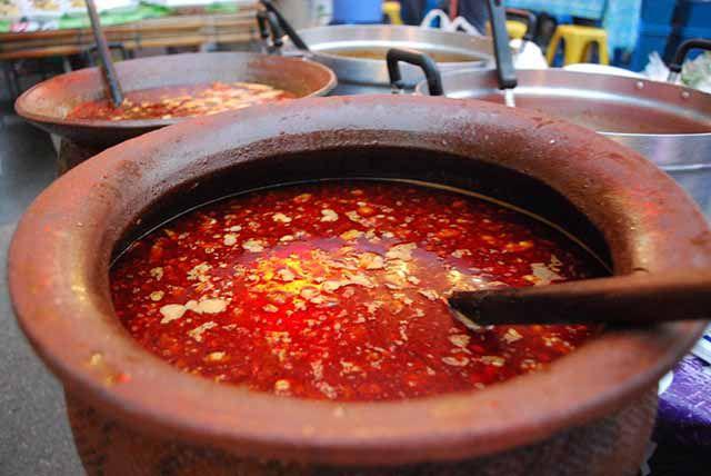 10 món ăn đường phố Thái Lan khiến du khách nhìn thấy là chạy mất dép (1)