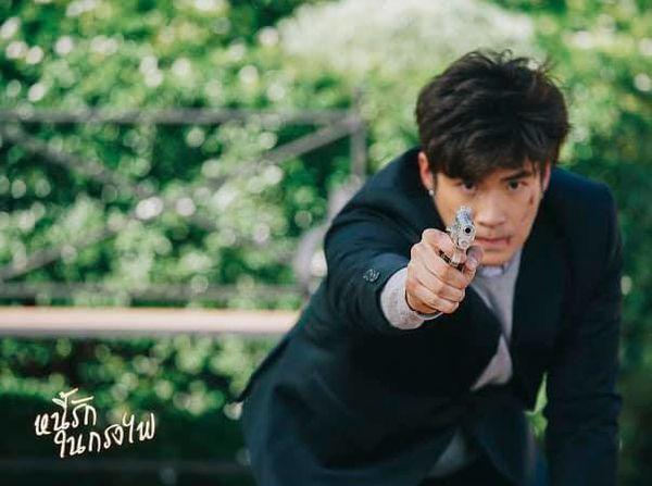 Phim Nợ tình trong lồng lửa Thái Lan gây sốt với chàng mafia cực soái (17)