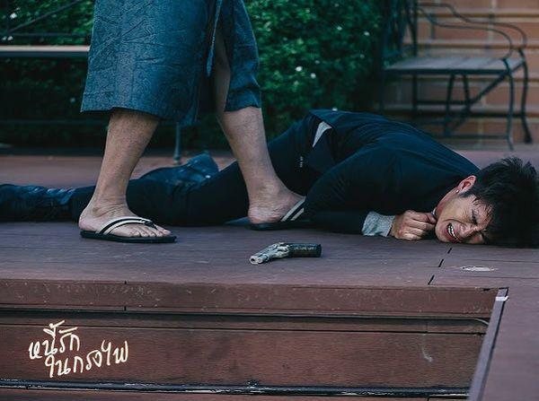 Phim Nợ tình trong lồng lửa Thái Lan gây sốt với chàng mafia cực soái (9)