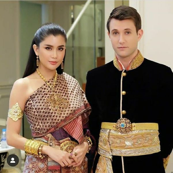 Poo Praya Lundberg được bạn trai cầu hồn với nhẫn kim cương 80000 USD (6)