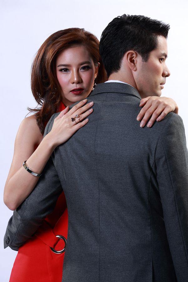 Qúy cô xinh đẹp Cris Horwang hóa tiểu tam trong phim Bản lĩnh người vợ (3)