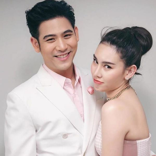 6 cặp đôi sao Thái nổi tiếng đình đám công khai hẹn hò trong năm 2019 (6)