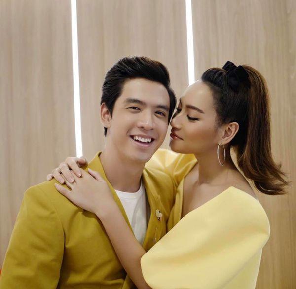 """Film Thanapat tái hợp Bee Namthip trong bộ """"Tôi là Kim Sam Soon"""" remake (6)"""