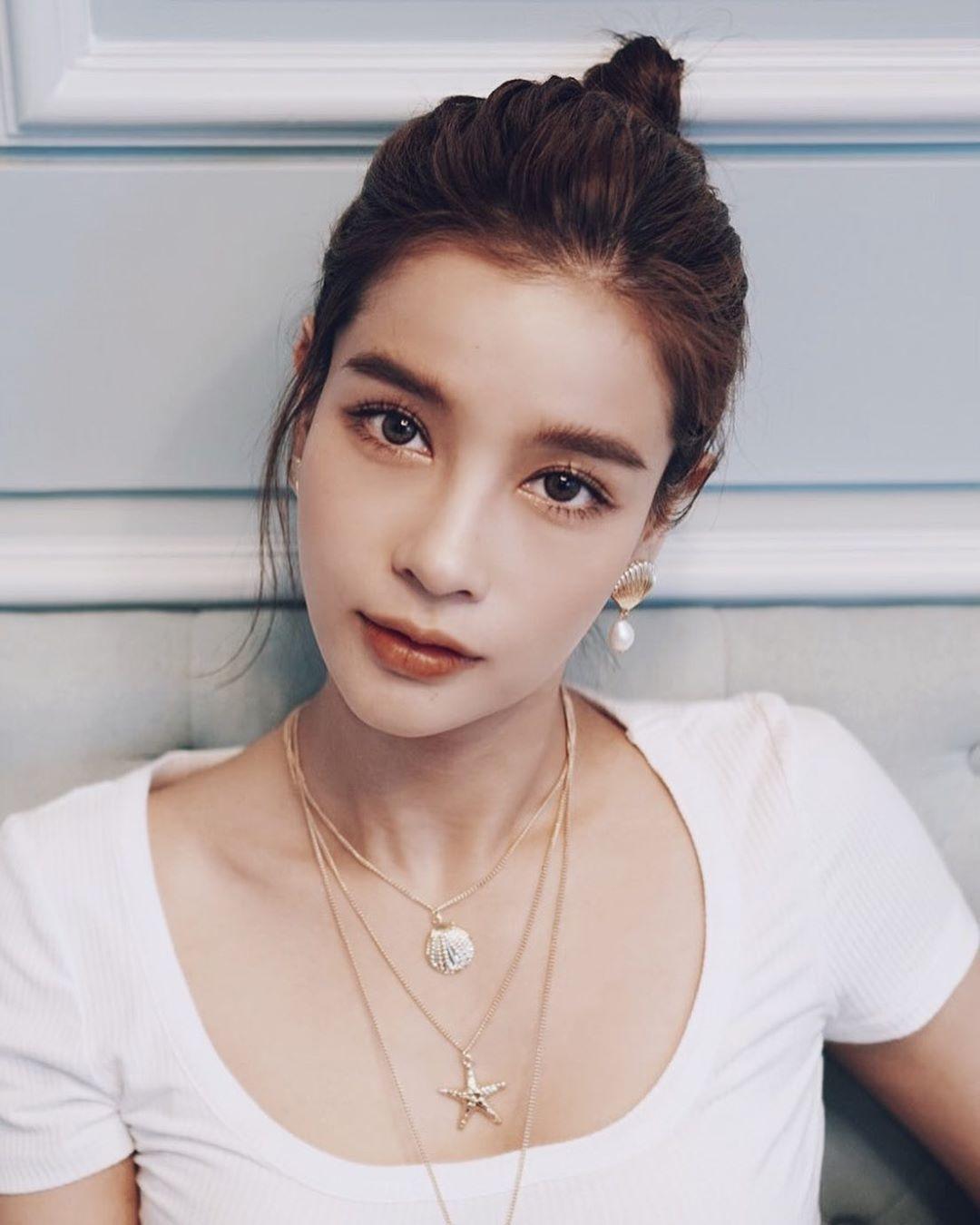 Liệu Ruk Laek Pop sẽ là chuyện tình tay ba của trai đẹp Film Thanapat? (1)