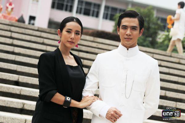 Liệu Ruk Laek Pop sẽ là chuyện tình tay ba của trai đẹp Film Thanapat? (10)