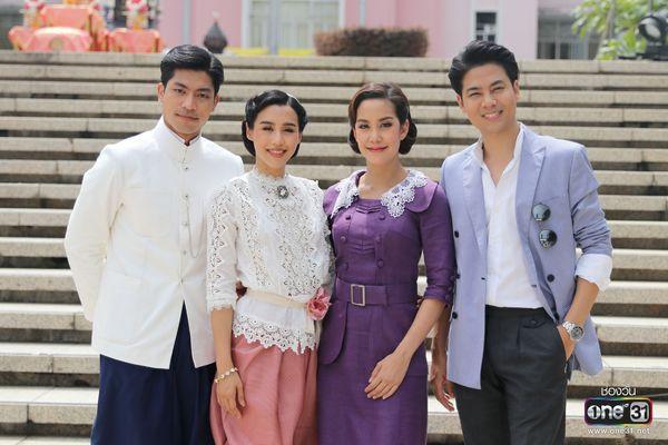 Liệu Ruk Laek Pop sẽ là chuyện tình tay ba của trai đẹp Film Thanapat? (11)
