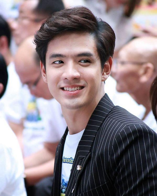 Liệu Ruk Laek Pop sẽ là chuyện tình tay ba của trai đẹp Film Thanapat? (2)