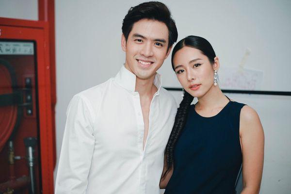 Liệu Ruk Laek Pop sẽ là chuyện tình tay ba của trai đẹp Film Thanapat? (7)
