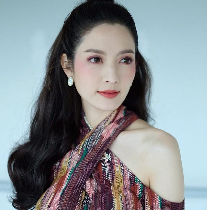 Nữ diễn viên Aff Taksaorn tái xuất màn ảnh nhỏ sau cuộc hôn nhân tan vỡ (2)