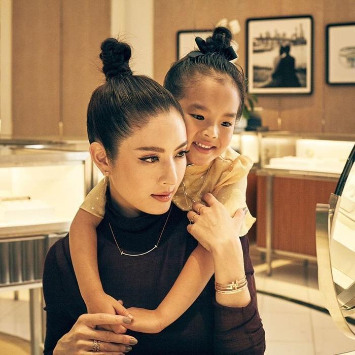 Nữ diễn viên Aff Taksaorn tái xuất màn ảnh nhỏ sau cuộc hôn nhân tan vỡ (5)