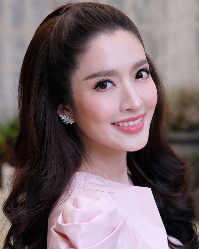 Nữ diễn viên Aff Taksaorn tái xuất màn ảnh nhỏ sau cuộc hôn nhân tan vỡ (9)