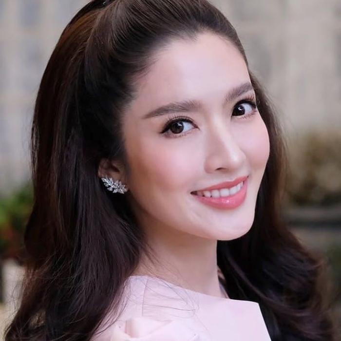 Chiêu bài mới của phim Thái: Đàn chị gạo cội đóng cặp với nam diễn viên đàn em (10)