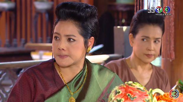 """Drama """"Mẹ chồng - nàng dâu"""" trên màn ảnh Thái: Cay nghiệt và oan trái (11)"""