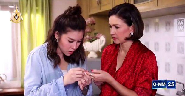"""Drama """"Mẹ chồng - nàng dâu"""" trên màn ảnh Thái: Cay nghiệt và oan trái (4)"""