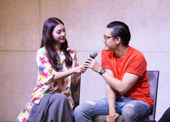 Mew Nittha sánh đôi cùng James Ma trong phim Kaew Tah Tee Sarm (10)