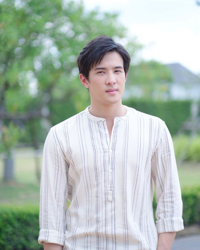 Mew Nittha sánh đôi cùng James Ma trong phim Kaew Tah Tee Sarm (6)