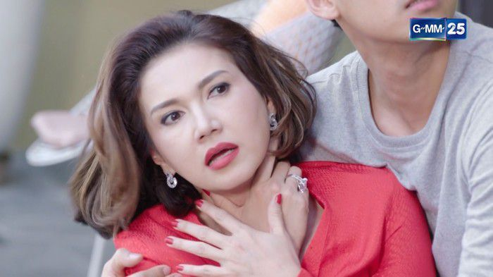 Phim Nàng dâu TKO Thái Lan: Cuộc chiến giữa mẹ chồng và nàng dâu võ sĩ (8)