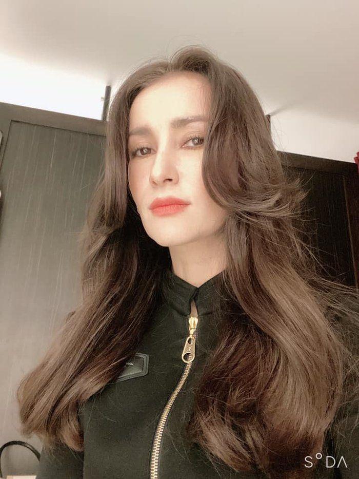 Nữ hoàng giải trí Anne Thongprasom tái xuất màn ảnh nhỏ vào năm 2020 (4)