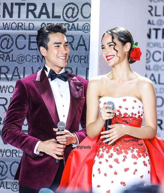 5 cặp đôi nổi tiếng nhất nhì showbiz Thái yêu mãi không chịu cưới (1)