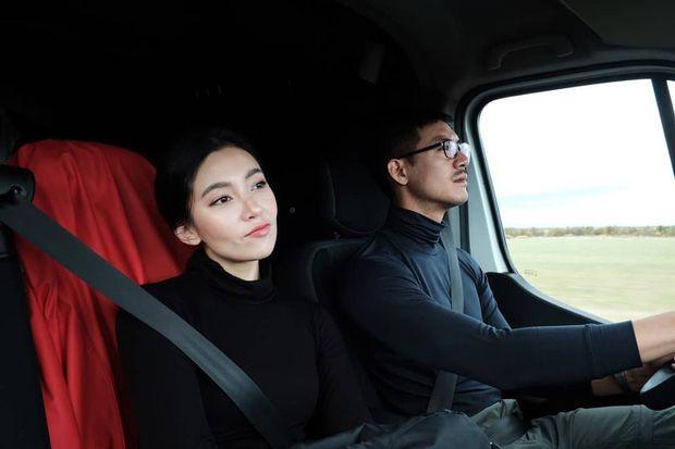 5 cặp đôi nổi tiếng nhất nhì showbiz Thái yêu mãi không chịu cưới (15)