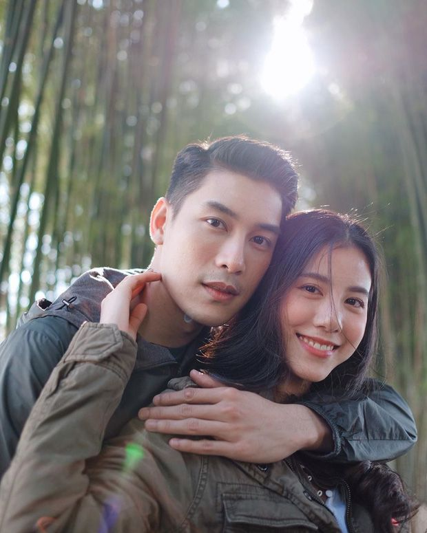 5 cặp đôi nổi tiếng nhất nhì showbiz Thái yêu mãi không chịu cưới (21)