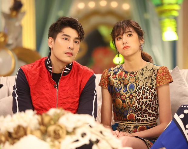 5 cặp đôi nổi tiếng nhất nhì showbiz Thái yêu mãi không chịu cưới (22)