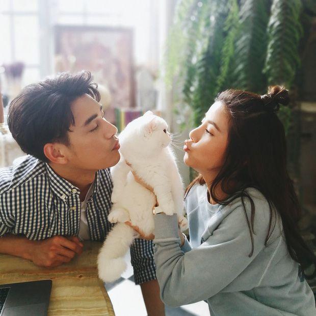 5 cặp đôi nổi tiếng nhất nhì showbiz Thái yêu mãi không chịu cưới (25)