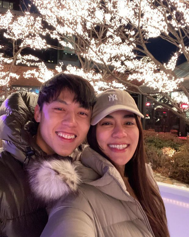 5 cặp đôi nổi tiếng nhất nhì showbiz Thái yêu mãi không chịu cưới (7)