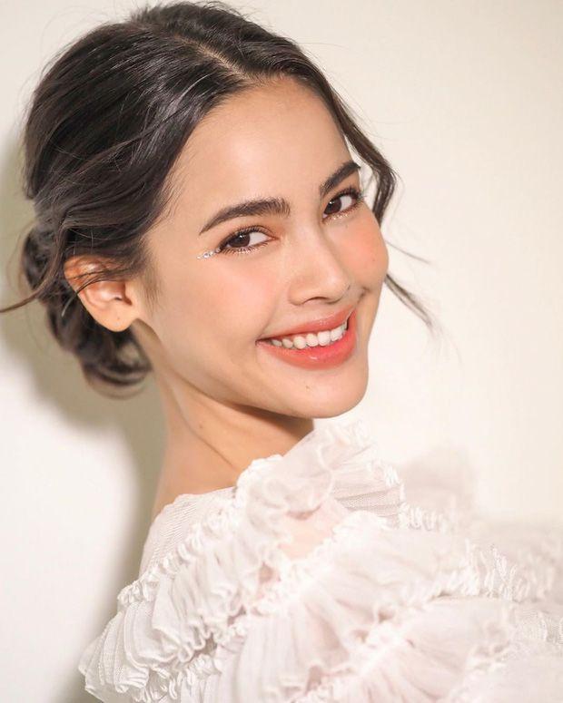 Top 6 sao nữ tài sắc vẹn toàn nhất showbiz Thái Lan (10)