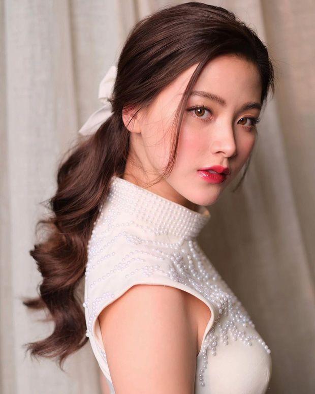 Top 6 sao nữ tài sắc vẹn toàn nhất showbiz Thái Lan (14)