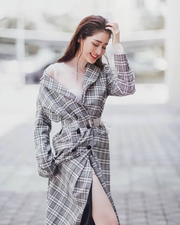 Top 6 sao nữ tài sắc vẹn toàn nhất showbiz Thái Lan (24)