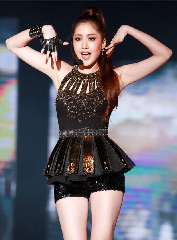 Top 6 sao nữ tài sắc vẹn toàn nhất showbiz Thái Lan (25)