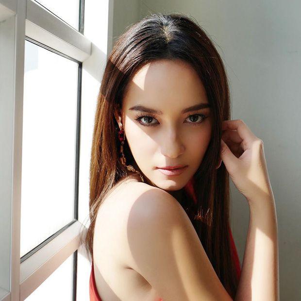 Top 6 sao nữ tài sắc vẹn toàn nhất showbiz Thái Lan (4)