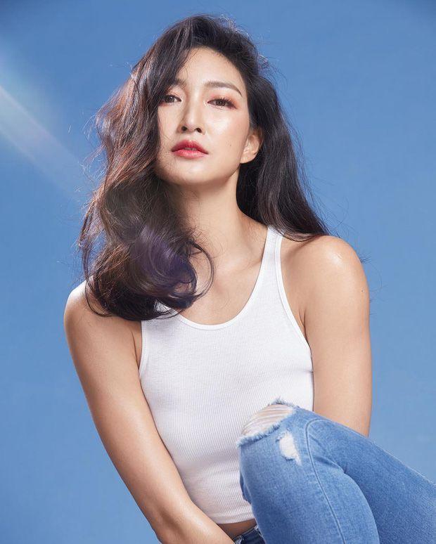 Top 6 sao nữ tài sắc vẹn toàn nhất showbiz Thái Lan (6)