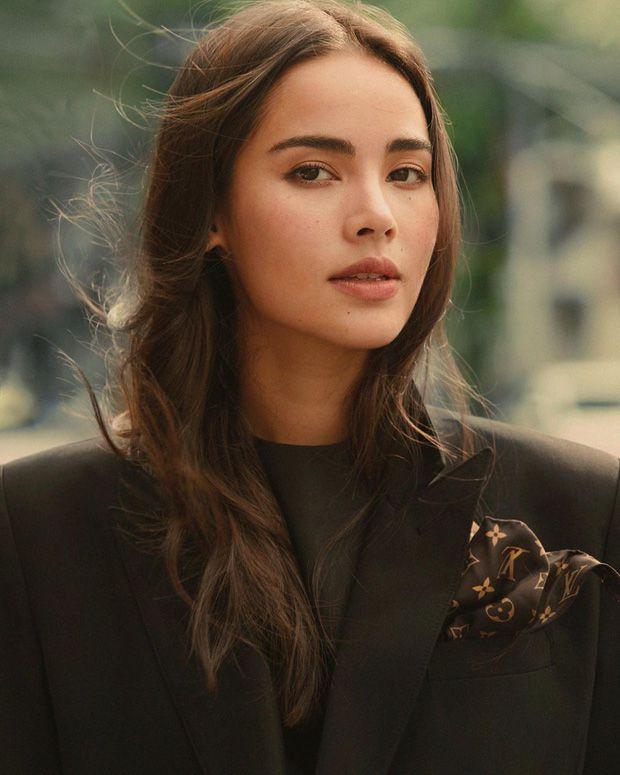 Top 6 sao nữ tài sắc vẹn toàn nhất showbiz Thái Lan (9)