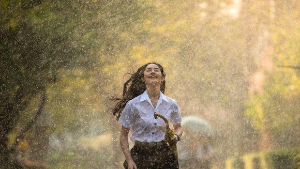 Review phim Cơn Mưa Tình Đầu bản remake của Thái Lan năm 2020 (12)
