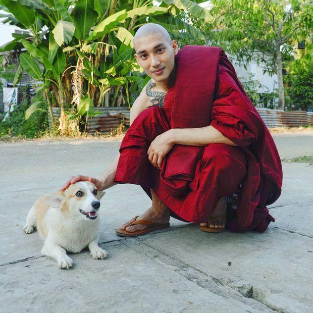 """Profile Paing Takhon: Chàng mẫu """"thầy tu"""" người Myanmar (2)"""