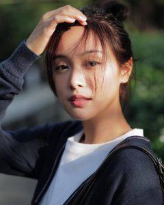 Krating Khunnarong và Oom Eisaya đóng chính phim Ai Khoi Hug Jao (6)